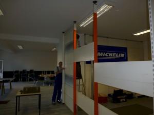 Die Werkstattwand wird wieder aufgebaut